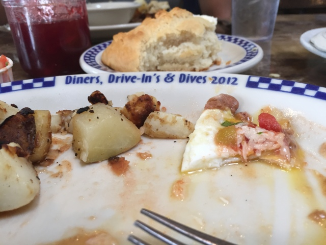 After Bob cleaned his plate we noticed the Diners, Drive-ins, and Dives written on the plate.